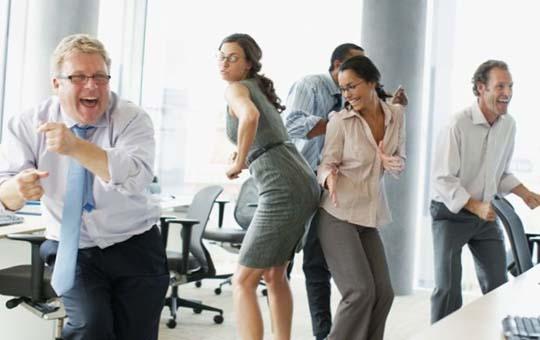 В офисе лучше стоять, чем сидеть