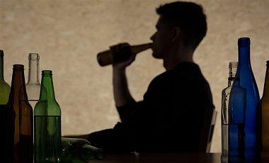 Ученые объяснили, почему люди хотят употреблять алкоголь