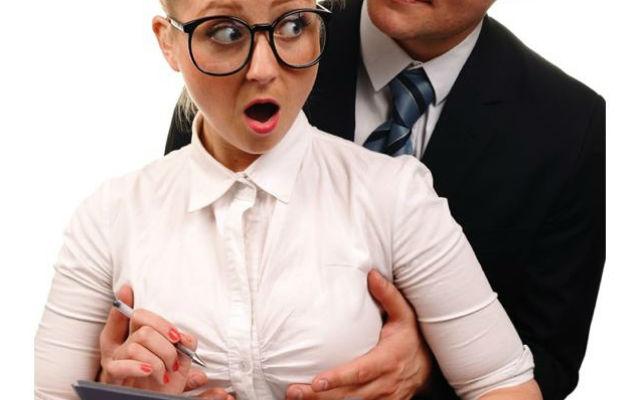 59% россиян хоть раз подверглись сексуальному принуждению на работе