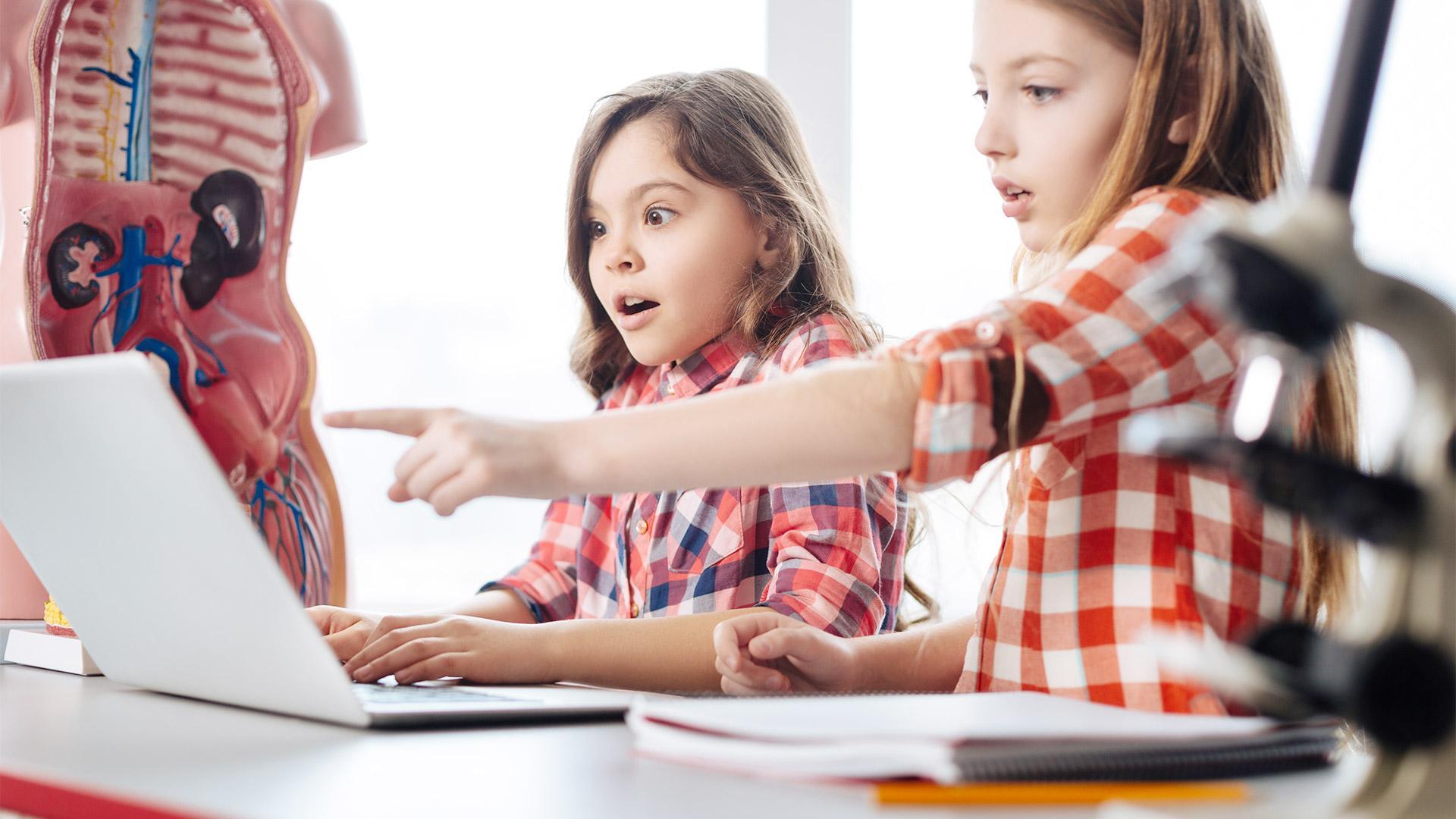 60% россиян за введение в школах уроков полового воспитания