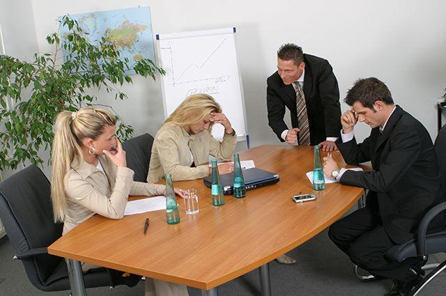 В ответ на неадекватное поведение руководства люди стараются меньше работать